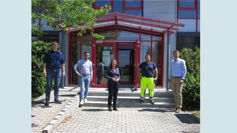 Bild von links nach rechts: Tobias Hilmer, Christian Weiß, Erste Bürgermeisterin Andrea Probst, Matthias Hartl, Geschäftsführer Karlheinz Denner
